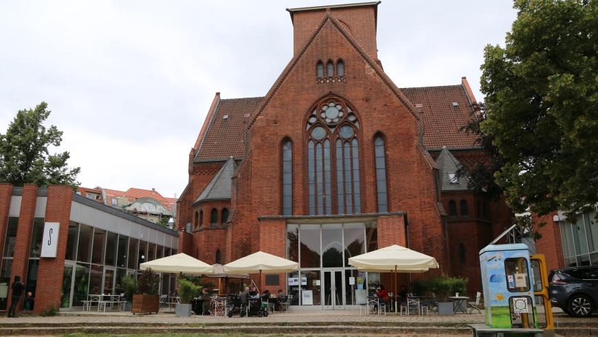 Genezarethkirche im Schillerkiez