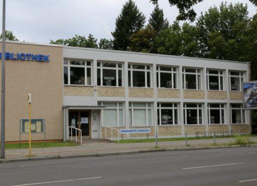 """""""Margarete Kubicka Bibliothek"""" in Britz-Süd"""