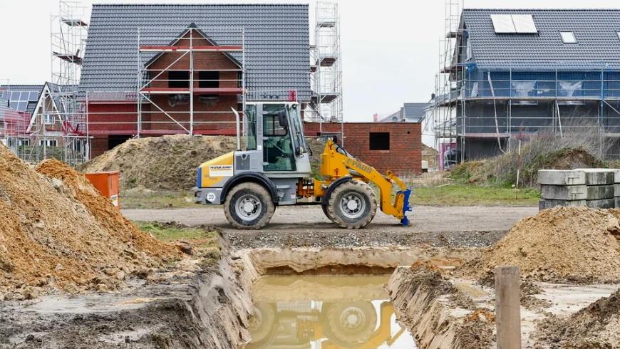 Grundwasser in einer Baustelle